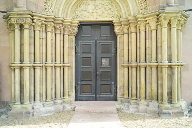 http://www.hamm-architektur-denkmalpflege.de/files/gimgs/th-18_stmartin_2_Säulen_nachher.jpg